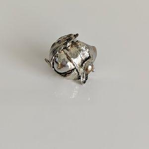 Vintage leaf ring